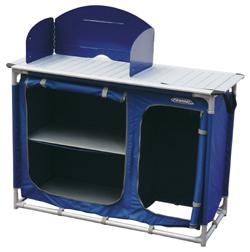 mobiletto porta fornello della ferrino ha la struttura in tubolare in alluminio satinato del diametro di mm 25 ed il tavolo in pannelli di alluminio